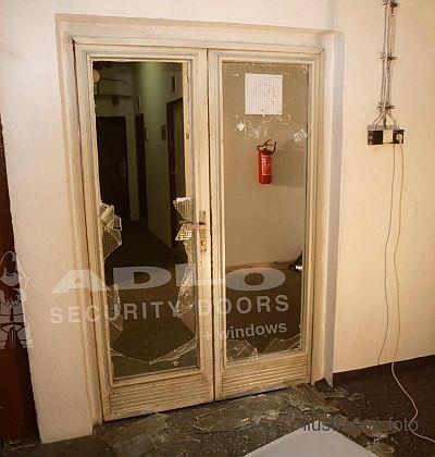 1e14d1e92d Vypáčenie dvojkrídlových dverí v Košiciach - ADLO