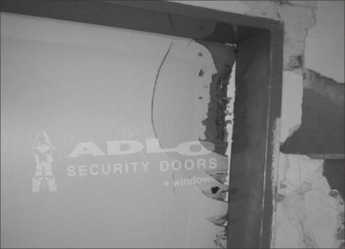 78b437a3da Nitra - odolal horný roh dverí - ADLO